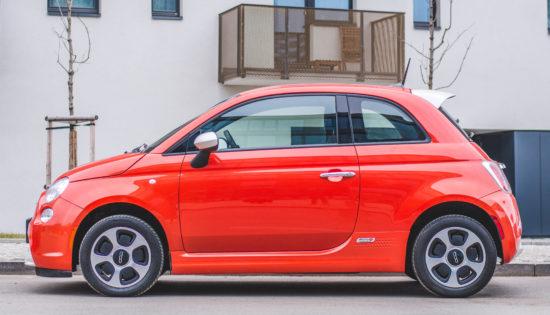 Fiat 500e oranžová